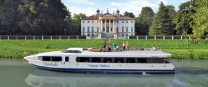 Imbarcarsi sul Burchiello: una rotta senza tempo tra le ville Venete